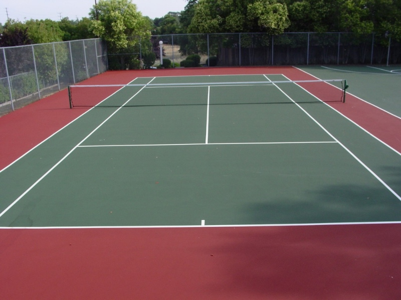 Green Red Tennis court 800x600